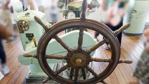 操舵室の舵