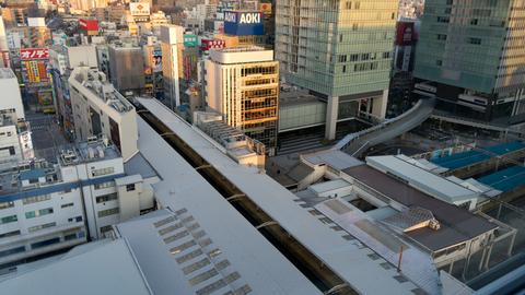 早朝の秋葉原駅