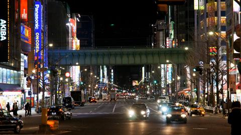 夜の中央通り
